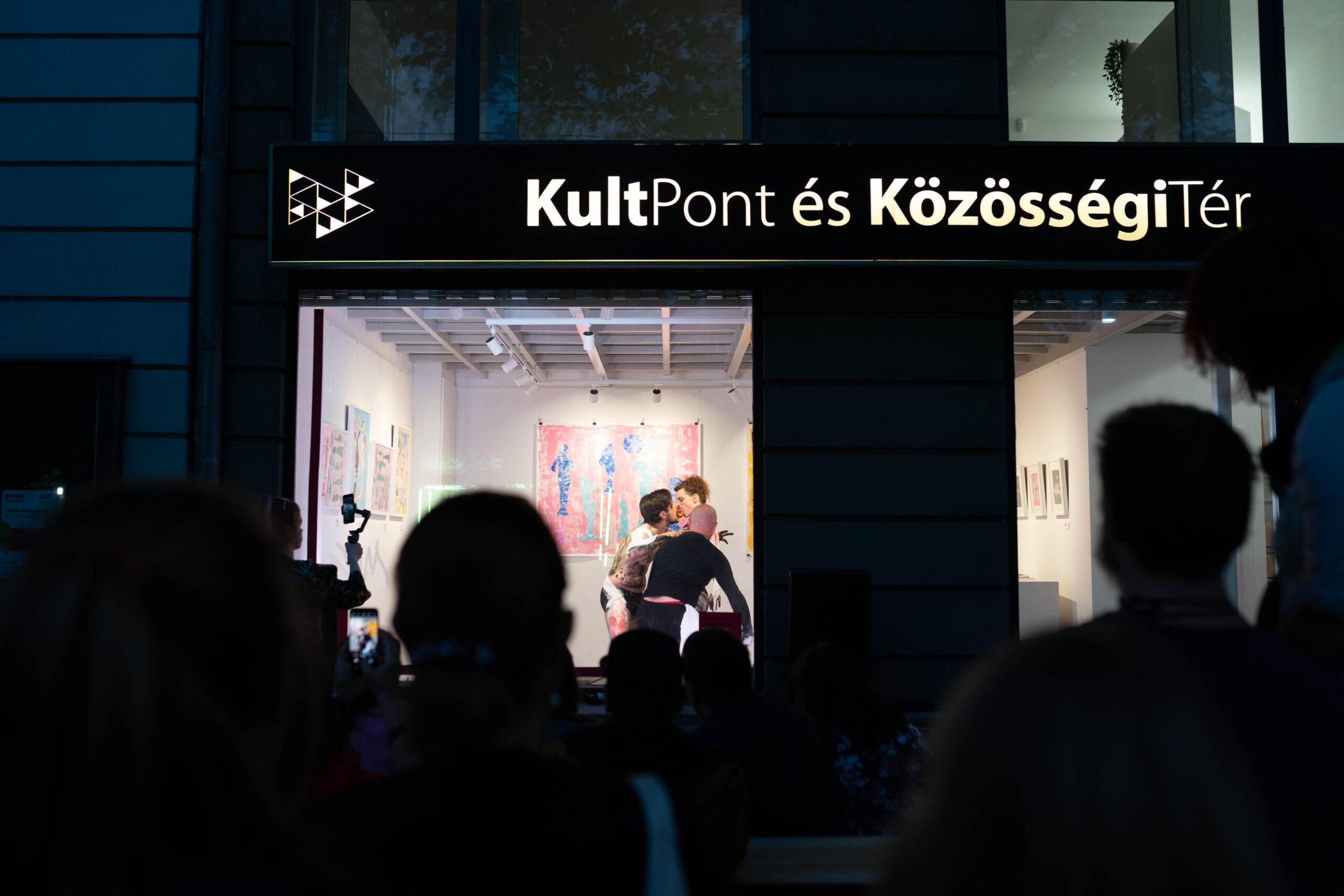 la-pomme-de-vie-fine-arts-performance-13