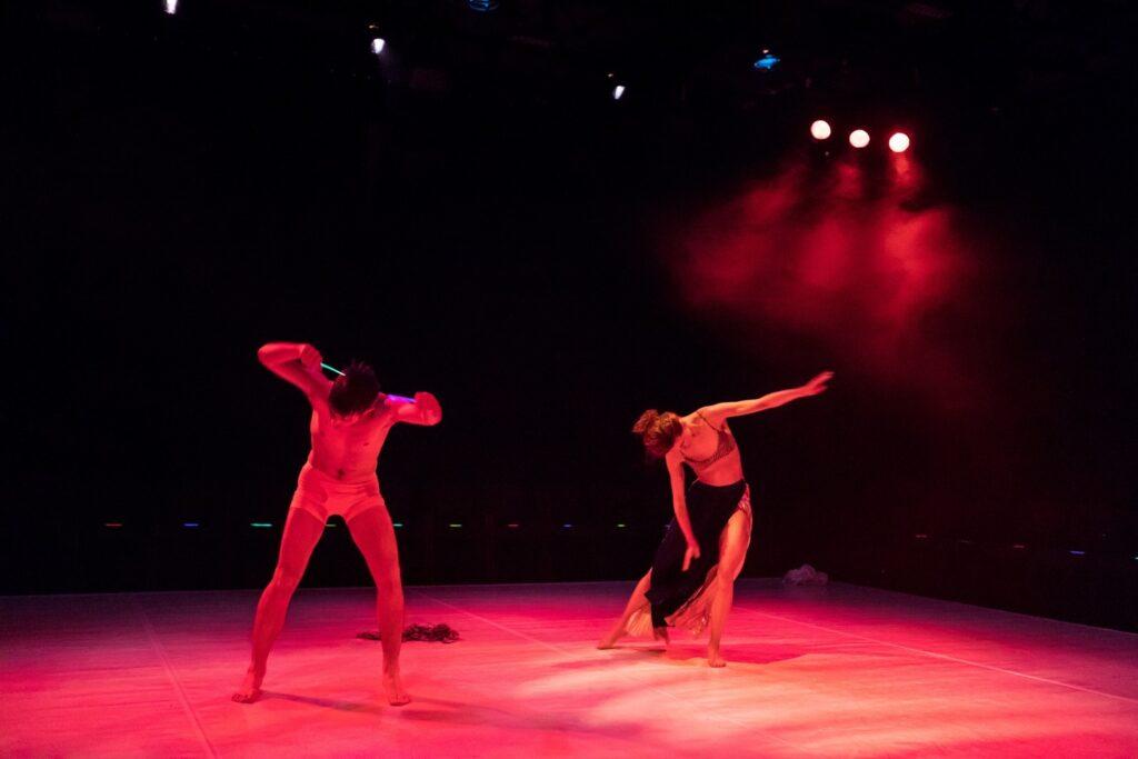 late-night-show-stage-ritual-05